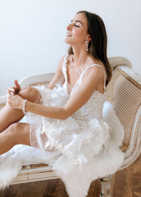 Brautkleid kurz mit 3D Spitze