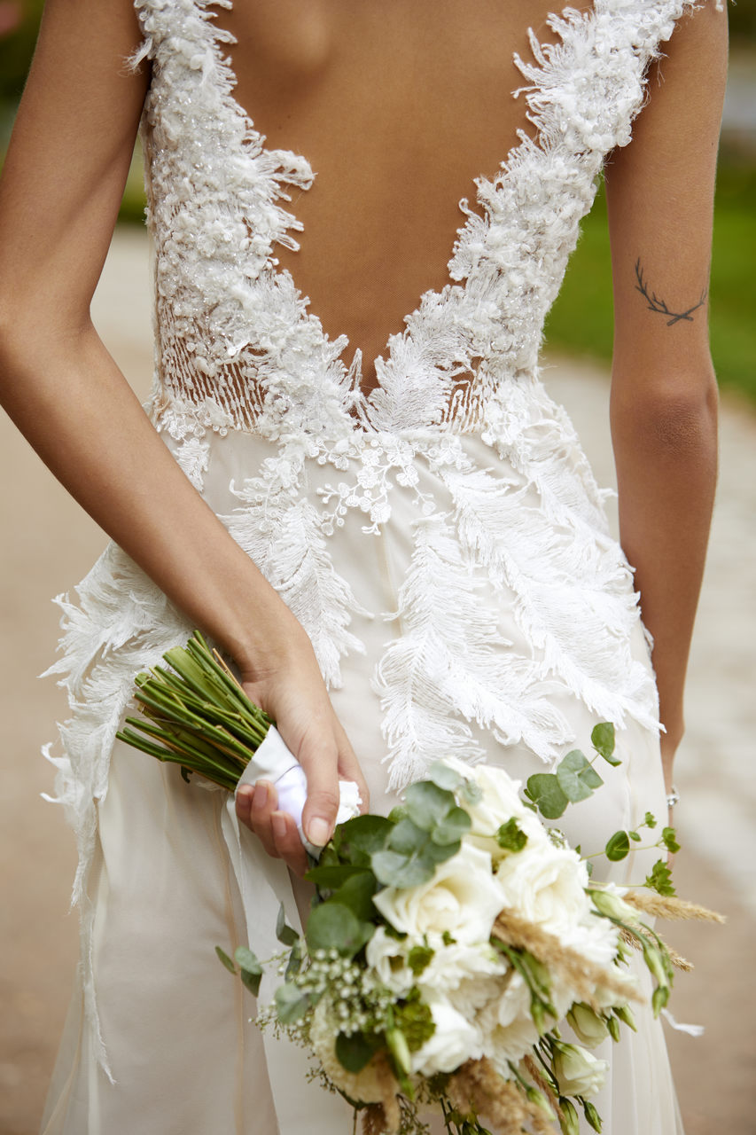 Brautkleid mit tiefen Rückenausschnitt