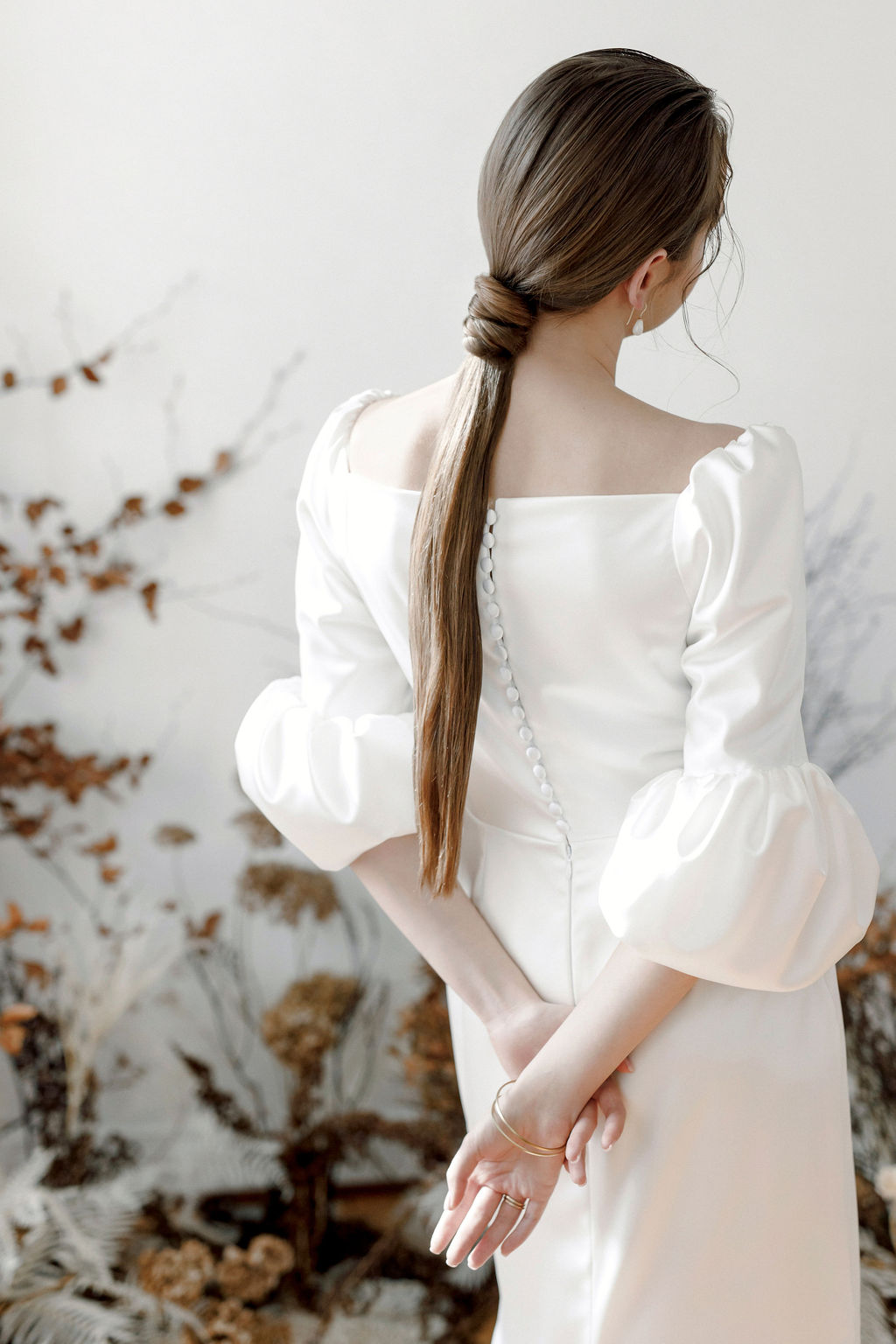 Moderne Brautmode Detail verliebt
