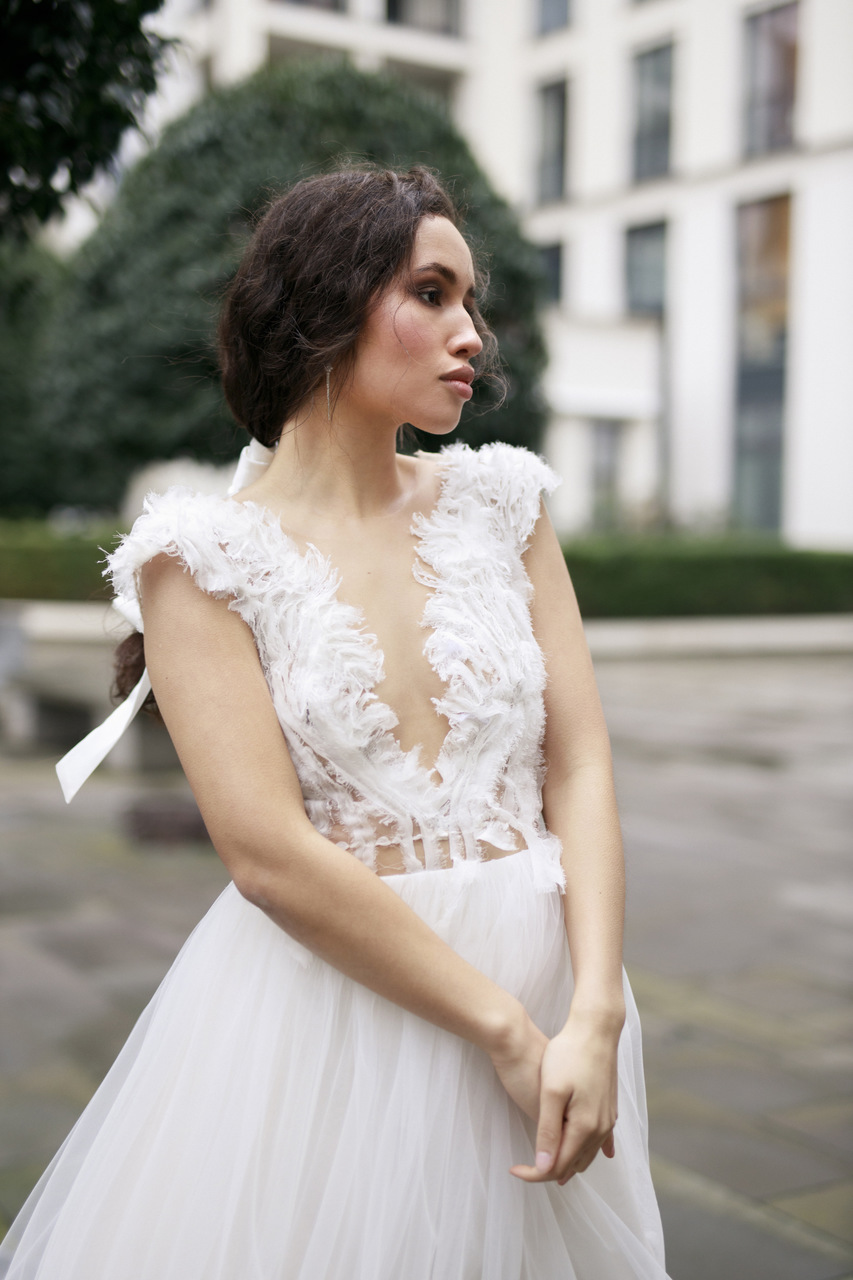 Extravagante Brautmode aus Seide