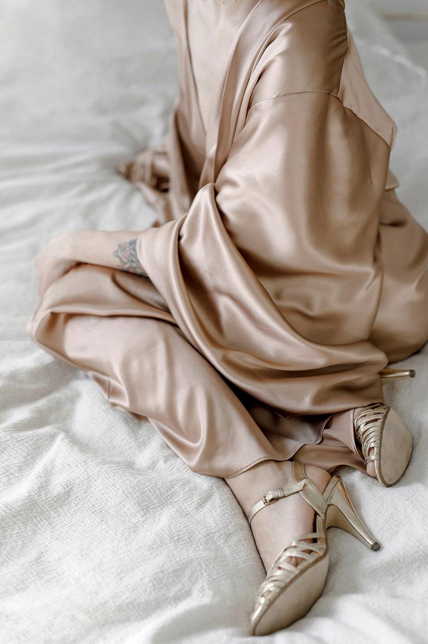 Seidener Morgenmantel für die Braut